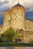 De vestingstoren van het Savolinnakasteel Het oriëntatiepunt van Finland Finse herit royalty-vrije stock fotografie