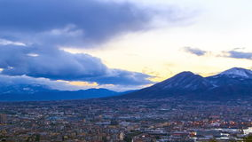 De Vesuvius. Dawn over Napels. Tijdtijdspanne stock footage
