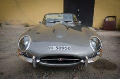 De veteraan uitstekende auto van Jaguar E stock foto's