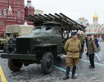 De viering van de historische parade op 7 November, 1941 op rood vierkant in Moskou stock foto