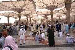 De vierkanten van de Nabawimoskee in Saudi-Arabië Royalty-vrije Stock Foto's