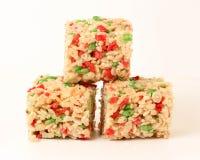 De vierkanten van Krispie van de Rijst van Kerstmis stock afbeeldingen