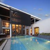 De villa met een zwembad Royalty-vrije Stock Foto