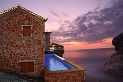 De villa van de luxe met zwembad Stock Fotografie