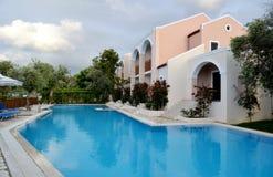 De villa van de luxe met zwembad Stock Foto's