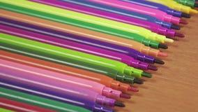De viltpennen van de kleur stock videobeelden