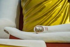 De vinger van het standbeeld van close-upboedha Stock Foto's