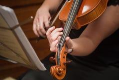 De viool van het spel Royalty-vrije Stock Afbeelding