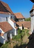 De Viscri Versterkte Kerk - Binnenlandse Binnenplaats Stock Fotografie
