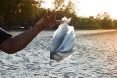 De visser kreeg heel wat vissen stock foto's