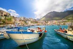 De visserij van dorp in Sicilië, Italië stock foto
