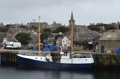 De visserij van haven van Stromness, de second-most dichtbevolkte stad in Vasteland Orkney, Schotland royalty-vrije stock afbeelding