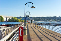 De visserij van pijler op Meer Washington stock afbeelding