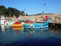 De visserij van schepen in haven Royalty-vrije Stock Fotografie