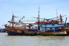 De visserij van schip op het Overzees Stock Foto's