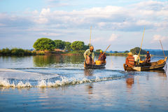 De vissers vangen vissen December Stock Fotografie