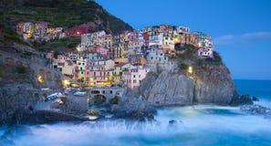 De vissersdorp van Manarola in Cinque Terre, Italië Royalty-vrije Stock Afbeeldingen