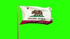 De vlag die van Californië met titel in de wind golven stock footage