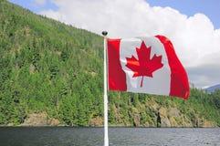 De vlag van Canada op het schip stock afbeelding