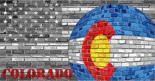 De vlag van Colorado op de grijze V.S. markeert achtergrond Stock Foto's