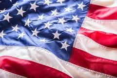 De vlag van de V Amerikaanse Vlag Amerikaanse vlag blazende wind Close-up Het schot van de studio Stock Foto's