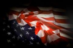 De vlag van de V.S. in de donkere nacht Stock Afbeelding