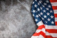 De vlag van de V.S. op grijze achtergrond Royalty-vrije Stock Foto