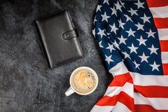 De vlag van de V.S. op grijze achtergrond Royalty-vrije Stock Afbeelding
