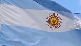 De vlag van de golven van Argentinië in de wind in langzame motie stock video