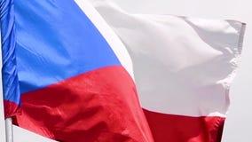 De vlag van de golven van de Tsjechische Republiek in de wind in langzame motie stock videobeelden