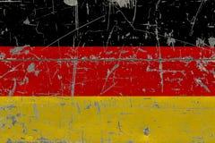 De vlag van Grungeduitsland op oude gekraste houten oppervlakte Nationale uitstekende achtergrond royalty-vrije illustratie