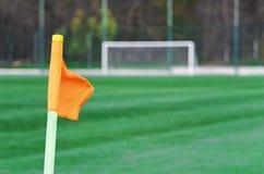 De vlag van de hoek op voetbalgebied royalty-vrije stock afbeeldingen