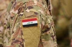 De vlag van Irak op militairenwapen Irak verzamelt zich collage stock fotografie