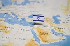 De Vlag van Israël in de wereldkaart stock afbeeldingen