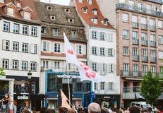 De vlag van Jesus met huis op achtergrond in Maart voor Jesus Royalty-vrije Stock Foto's