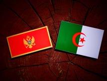 De vlag van Montenegro met Algerijnse vlag op een geïsoleerde boomstomp stock illustratie