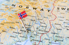 De vlag van Noorwegen op kaart stock foto