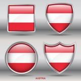 De Vlag van Oostenrijk in 4 vormeninzameling met het knippen van weg Stock Foto