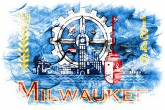 De vlag van de de stadsrook van Millwaukee, de Staat van Wisconsin, de Verenigde Staten van Amerika Stock Fotografie