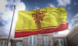 De Vlag van Tsjoevasjië het 3D Teruggeven op Blauwe Hemel de Bouwachtergrond Royalty-vrije Stock Afbeeldingen