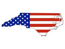 De Vlag van de V.S. die met de Kaart van de Staat van de V.S. van Noord-Carolina wordt gecombineerd stock illustratie