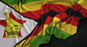 De Vlag van Zimbabwe op Donkere 3D die Achtergrond wordt gerimpeld geeft terug Stock Foto