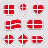 De Vlag Vectorreeks van Denemarken Inzameling van Deense nationale vlaggenstickers Geïsoleerde pictogrammen Traditionele kleuren  royalty-vrije illustratie