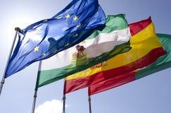 De vlaggen bevinden zich lang Stock Foto's