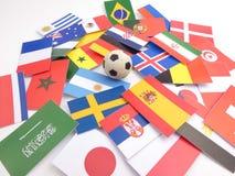 De vlaggen met voetbalbal isloated op wit royalty-vrije stock foto