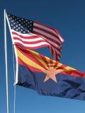 De vlaggen van Amerikaan/van Arizona   Stock Foto's