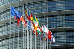 De vlaggen van EuroParliament in Straatsburg Royalty-vrije Stock Foto's