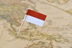 De vlagspeld van Indonesië op kaart Stock Fotografie