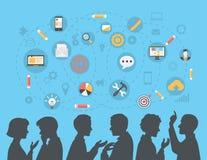 De vlakke brainstorming van mensensilhouetten, vergadering, roddelconcept Stock Foto