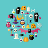 De Vlakke die Pictogrammen van Halloween over Blauw worden geplaatst Royalty-vrije Stock Afbeeldingen